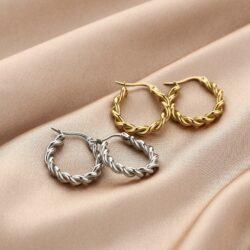 Twisted oorbellen goud zilver