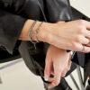 intertwine armband aanfoto
