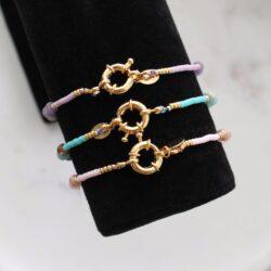 kralen armbanden in pastel