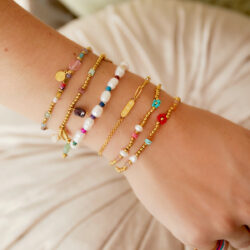 Charm chain armband aanfoto